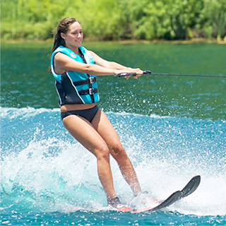 Waterskis